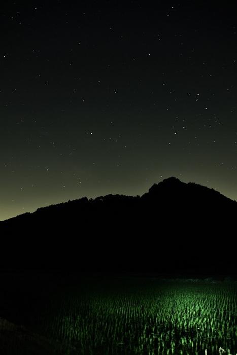 深夜の光空