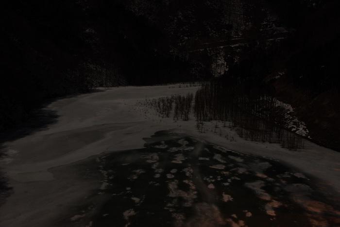 月照の冬湖